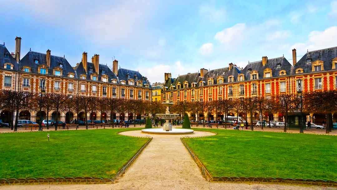place-vosges-quartier-voltaire-paris-east-village