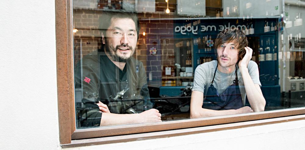Pierre-Sang Boyer (Gambey) et Romain Tischenko (Le Galopin). © Jean-François Robert pour Télérama.fr