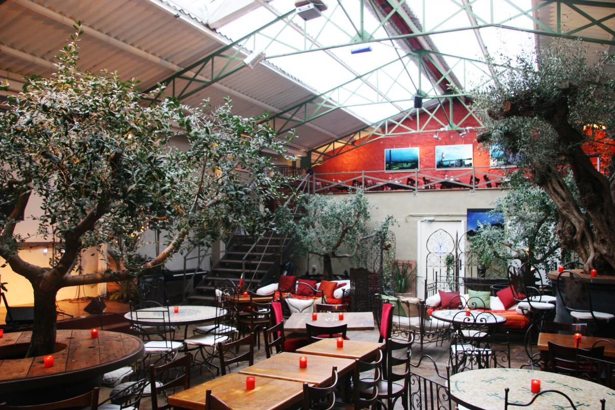 Paris Halle Cafe