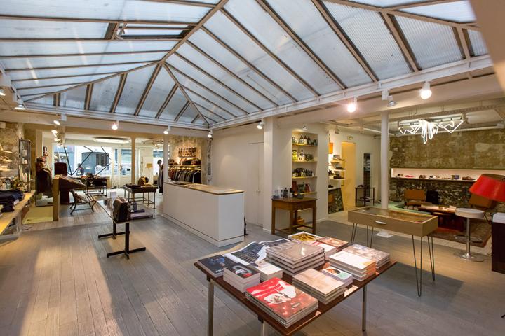 centre commercial paris east village. Black Bedroom Furniture Sets. Home Design Ideas